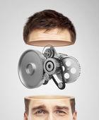 половина головы и металлические шестерни — Стоковое фото