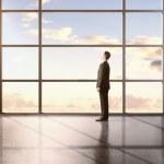 Businessman standing — Stock Photo