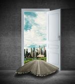 Dveře do města — Stock fotografie