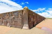 Walls around the temple Kalasasaya — Stock Photo