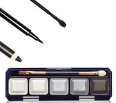 Accessories for smoky eyes makeup — Stock Photo