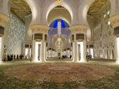 Famous Sheikh Zayed mosque — Stock Photo