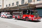 американский красный муниципального пожарный автомобиль — Стоковое фото