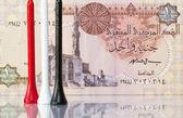 Equipamentos de golfe e dinheiro egípcios — Foto Stock