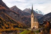 Typical church in the Alps (Heiligenblut - Austria) — Stock Photo