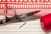 Werkzeuge für patchwork rot — Stockfoto