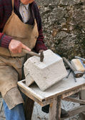 Stonemason, hands detail — Stock Photo