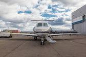 Bianco reattivo jet privato — Foto Stock