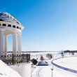 Rotunda on river Volga quay in Yaroslavl — Stock Photo