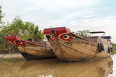 Wooden boat barge, river, Vietnam — Stockfoto