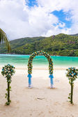 Wedding ceremony on the beach — Stock Photo
