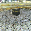 Slow shutter Muslim Pilgrim circumambulate around Kaabah in Masjidil Haram. — ストック写真 #31003931
