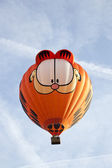 BARNEVELD, THE NETHERLANDS - 17 AUGUST 2012: Colorful Garfield balloon taki — Stock Photo