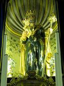 The Crowned Statue of Saint Joseph — Stock Photo