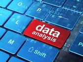Conceito de informação: análise de dados em computador teclado backgrou — Fotografia Stock