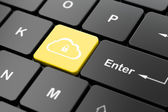 Cloud technology concept: Cloud With Padlock on keyboard — ストック写真