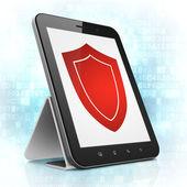 Koruma kavramı: kalkan tablet pc bilgisayar — Stok fotoğraf