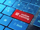 Vzdělávací koncepce: počítač pc a on-line školení na počítači klávesové pozadí — Stock fotografie