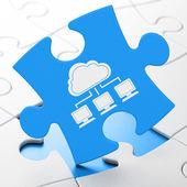 Conceito de computação em nuvem: rede de nuvem sobre fundo de quebra-cabeça — Foto Stock