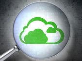 концепция облачных технологий: облако с оптическим стеклом на фоне цифровой — Стоковое фото