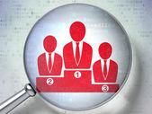 News-konzept: business-team mit optischem glas auf digitale hintergrund — Stockfoto