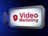 Business concept: Video Marketing and Head With Keyhole on billboard background — Stok fotoğraf