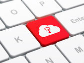 Concepto de redes en la nube: nube con llave en el fondo del teclado de computadora — Foto de Stock