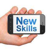 Bildung-konzept: neue kompetenzen auf smartphone — Stockfoto