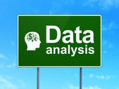 Data concept: Data Analysis and Head With Finance Symbol on road sign background — Stockfoto