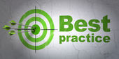 Education concept: target and Best Practice on wall background — Stock fotografie