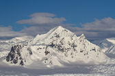 Shackleton Mountain in the mountain range on the Antarctic Penin — Stock Photo