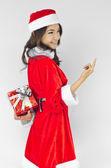 Noel baba şapkası kırmızı yılbaşı hediye kutusu — Stok fotoğraf