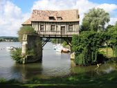 Old mill in the bridge on the Seine at Vernon in Normandy France — Stock Photo