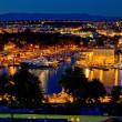 vista notturna di Zara lusso yacht marina — Foto Stock