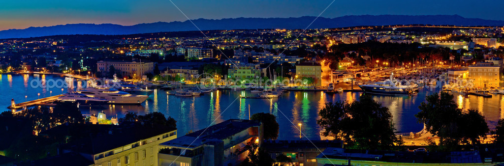 Zadar harbor bay night panorama, Dalmatia, Croatia — Foto Stock #17972089