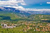 Town of Knin and Dinara mountain — Stock Photo