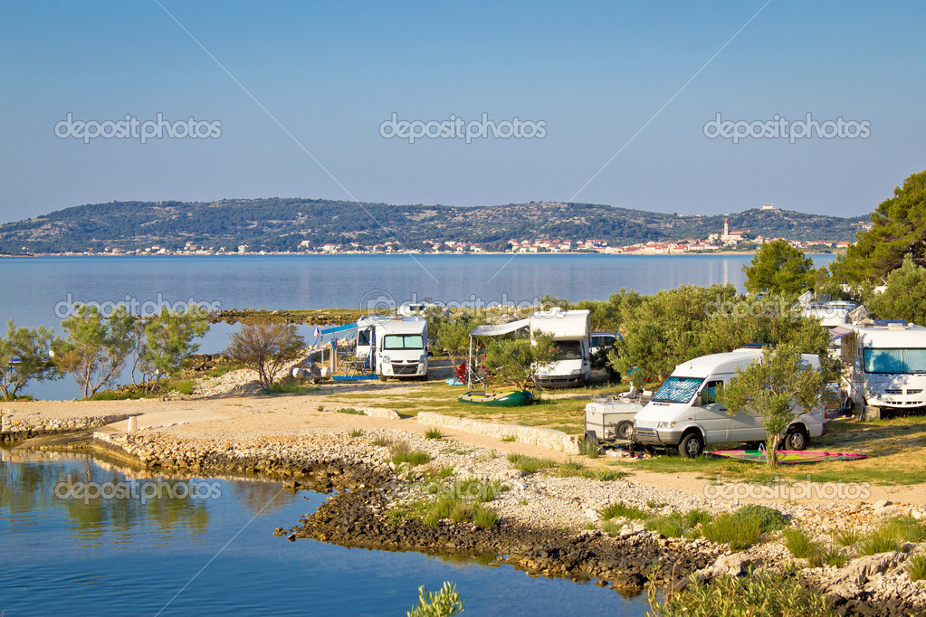 camping am meer in kroatien stockfoto xbrchx 39602103. Black Bedroom Furniture Sets. Home Design Ideas