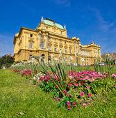 Croatian national theatre square in Zagreb — Stock Photo