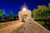 Historic stone gate entrance of Nin — Foto Stock