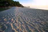 Cielo colorato in serata in mare spiaggia colore originale — Foto Stock