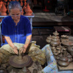 BANGKOK THAILAND - SEP21 :unidentified old woman making thai st — Stock Photo