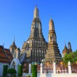 Wat arun temple pagodimportant landmark of Bangkok Thailand wi — Stock Photo #33626949