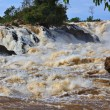 Conprapeng water fall  or mekong river in champasak southern of laos one of the biggest and beautiful waterfall in asia and world — Stock Photo