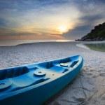 Blue sea kayak on the beach — Stock Photo