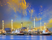 Tanker ship and petrochemical oil refinery industry plant with b — Stock fotografie