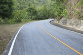 Curve of asphalt mountain road — Stock Photo