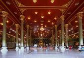 Inside church of wat asokaram temple samuthprakan thailand — Foto de Stock