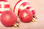 Brightly red Christmas decorations — Stockfoto