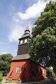 Starý červený dřevěný kostel — Stock fotografie