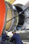 Aeroplano meccanica e jumbo jet engine — Foto Stock